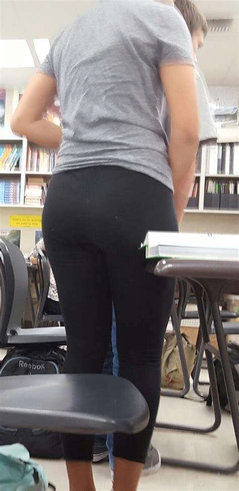 Playing With Her Thong in Class - CreepShots