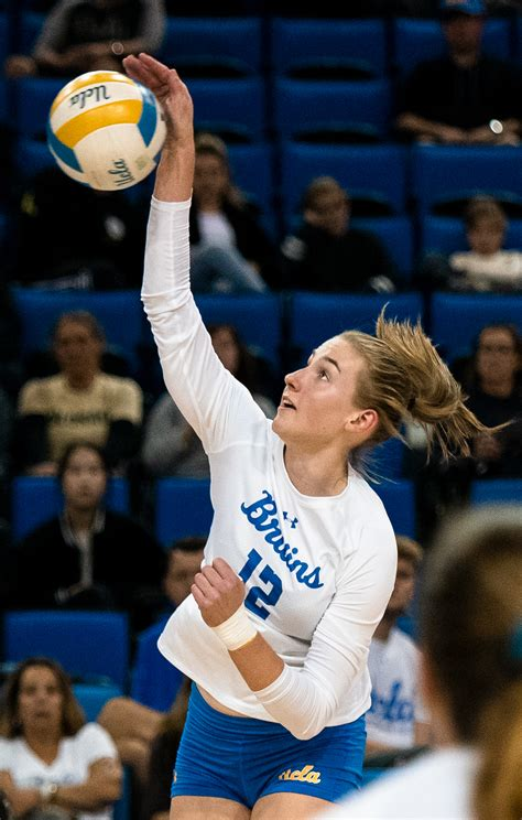 Women's volleyball looks to repeat defeat of Cal, Stanford